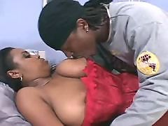 Ebony gives tongue job to her lover